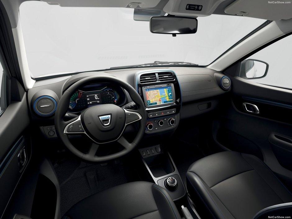 Dacia Spring pe alb