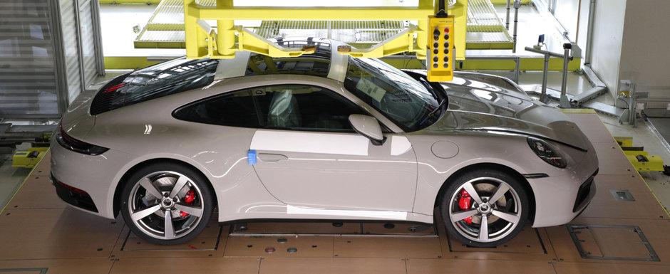 Dai un ban, dar stai in fata. Clientii noului 911 pot vedea cum le construieste Porsche masina