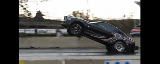 De la agonie la extaz pe 2 roti: un Ford Mustang face wheelie si... Adio!