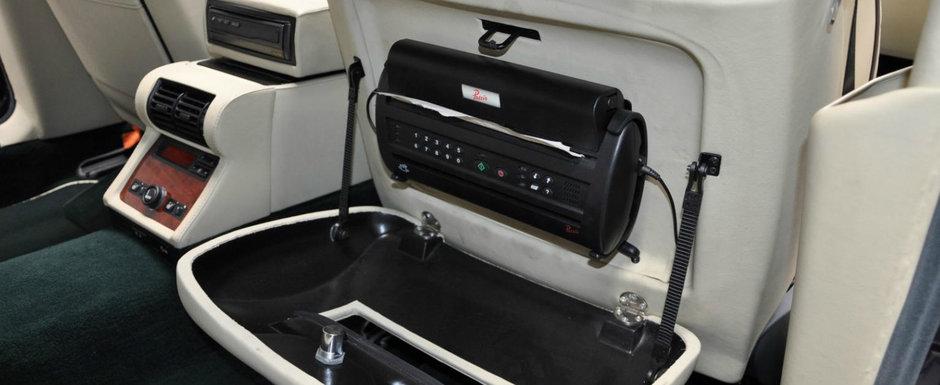 De pe vremea cand Seria 7 era regele limuzinelor: acest BMW E38 are motor V12 sub capota, fax si frigider in cabina