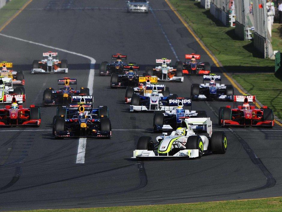 Debut plin de actiune pentru Pirelli, in Australia