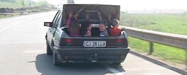 Dezbatere publica: Cum sa ne protejam copiii atunci cand sunt in masina?