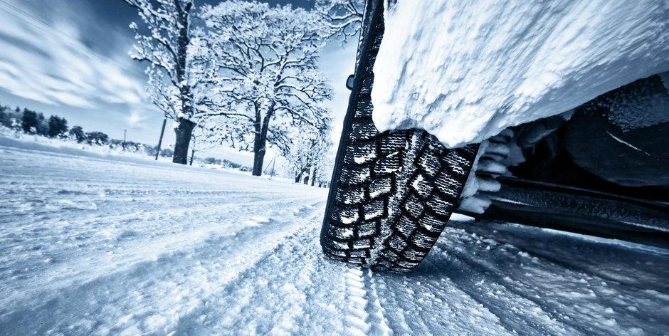 Dezbaterea iernii: ce anvelope sunt mai bune pe zapada, inguste sau late?