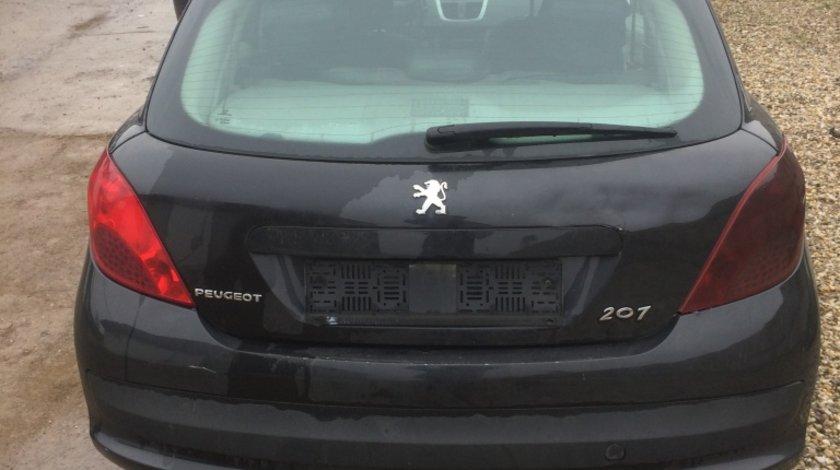 Dezmembram dezmembrez Peugeot 207 motorina 1.4 HDI 160.000km cod motor 8HZ 2008