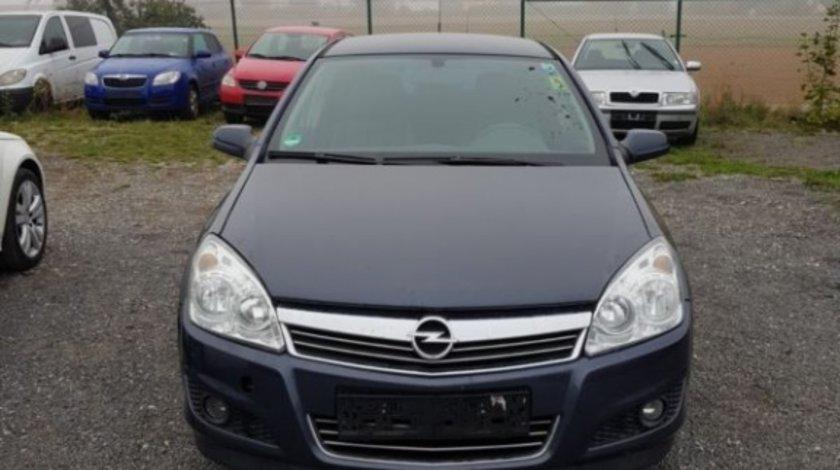 Dezmembram Opel Astra H