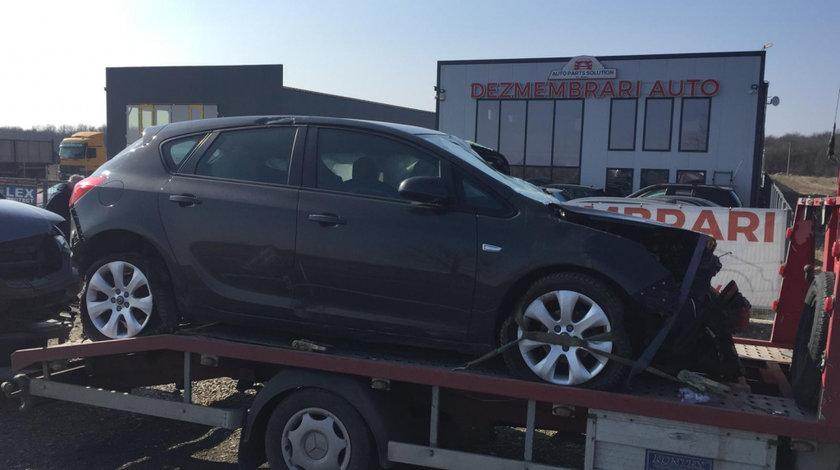 Dezmembram Opel Astra J 1.3 CDTI an fabr 2013