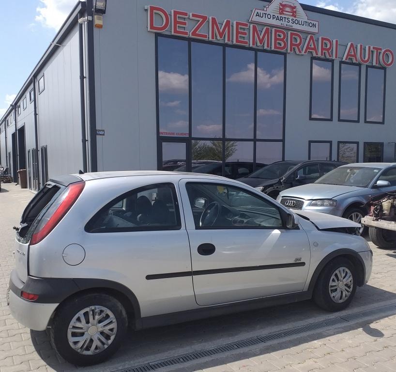 Dezmembram Opel Corsa C,1.2 S,an fabricatie 2003