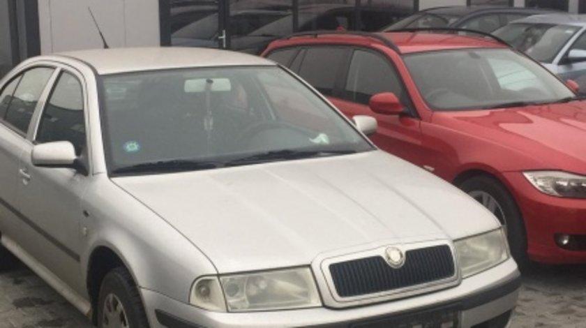 Dezmembram Skoda Octavia 1,1.6 benzina an fabr. 2004