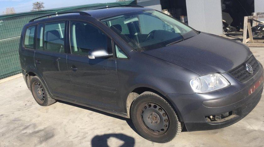 Dezmembram Volkswagen Touran 1.9 tdi,6 trepte,an fabr. 2006