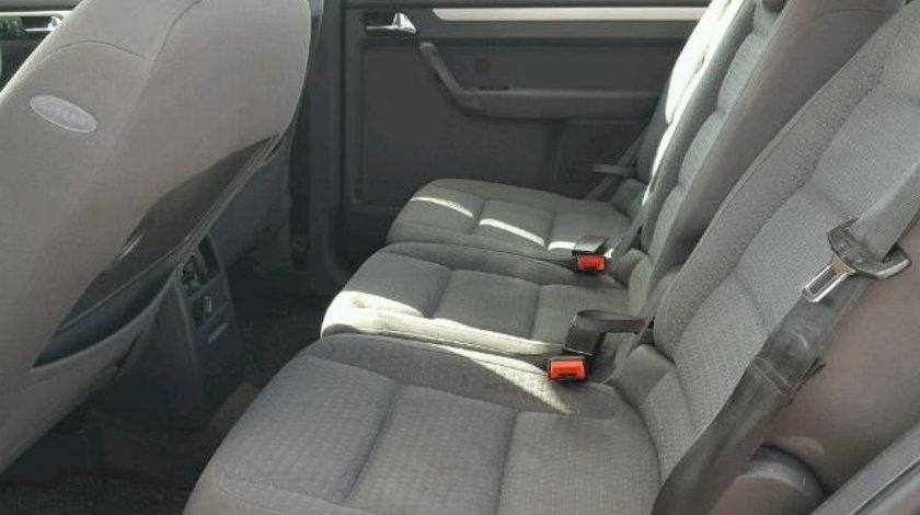 Dezmembram Volkswagen Touran 2003 1.9 TDI.