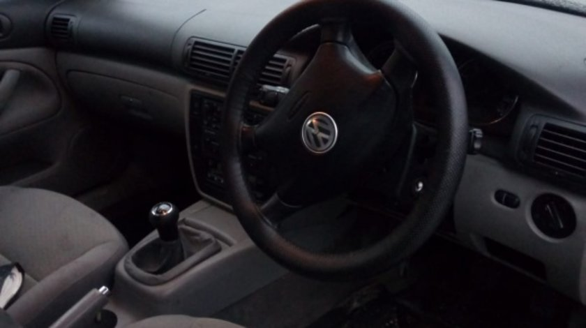 Dezmembram VW Passat an fab. 2004 motor 1.9TDI cod motor AWX 131 CP