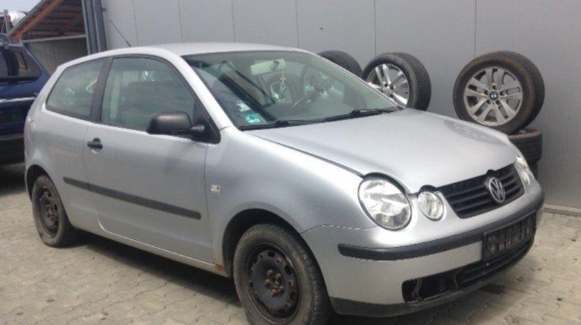 Dezmembram VW Polo,1.2 benzina,an fabricatie 2005