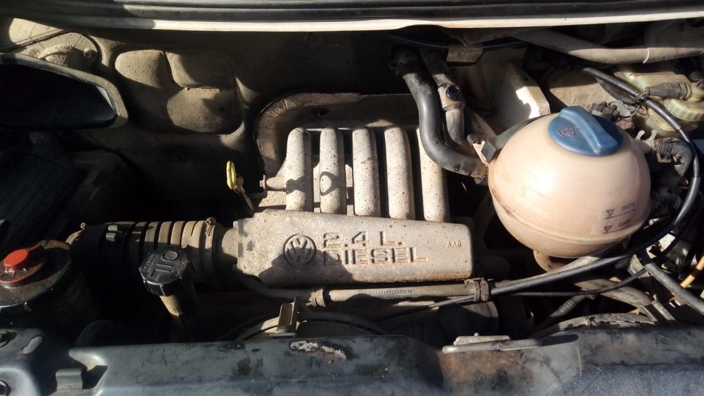 Dezmembram VW T4 an fab 1996 motor 2.4D