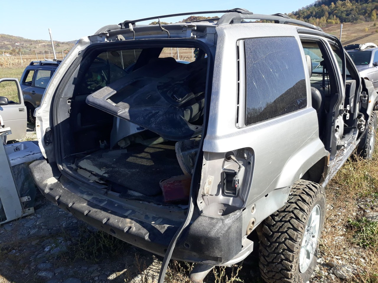dezmembrari dezmembrez jeep grand cherokee an 2001 motor 3.1 diesel