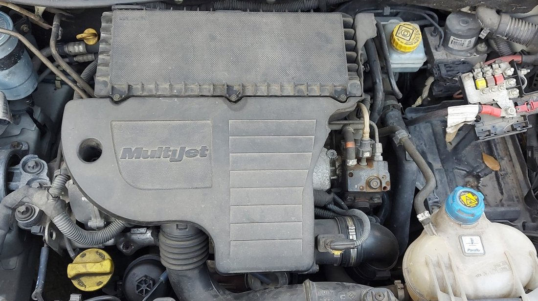 Dezmembrari Fiat Grande Punto 2009 hatchback 1.3d 66kw / 90cp