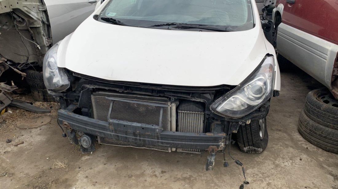 Dezmembrari Hyundai I30 2014