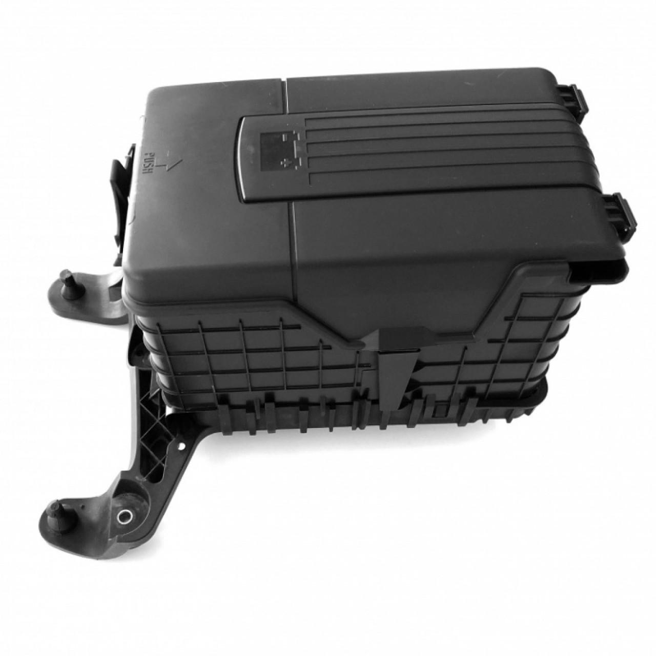 Dezmembrari Suport + Carcasa Acumulator Oe Volkswagen Jetta 3 2005-2010 1K0915333