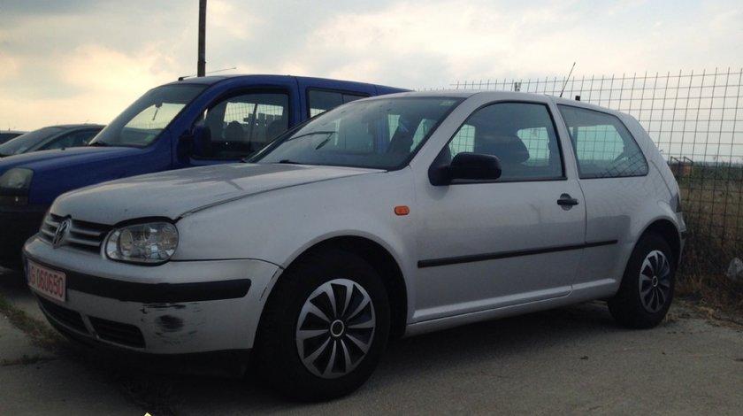 DeZmembrari Volkswagen Golf 4 1 6 16V 2001