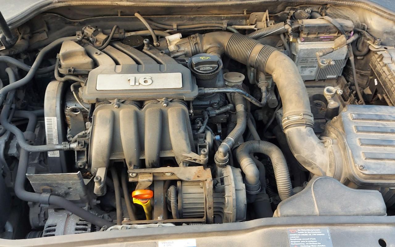 Dezmembrari Volkswagen Golf 5 2007 hatchback 1.6sr