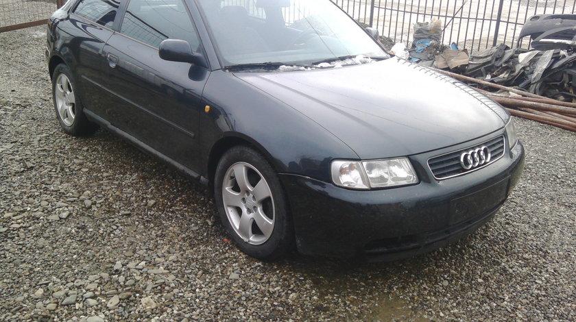 Dezmembrez Audi A3 1.8 benzina din 1998