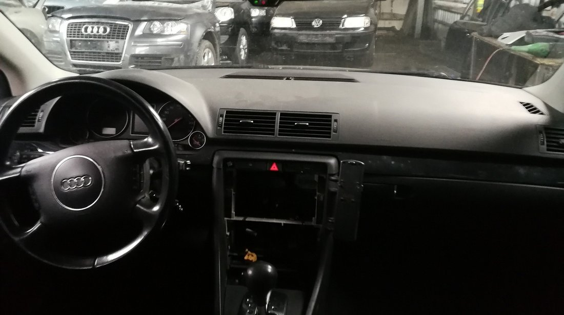 DEZMEMBREZ Audi A4 B6 quattro 2.5tdi tip motor BAU