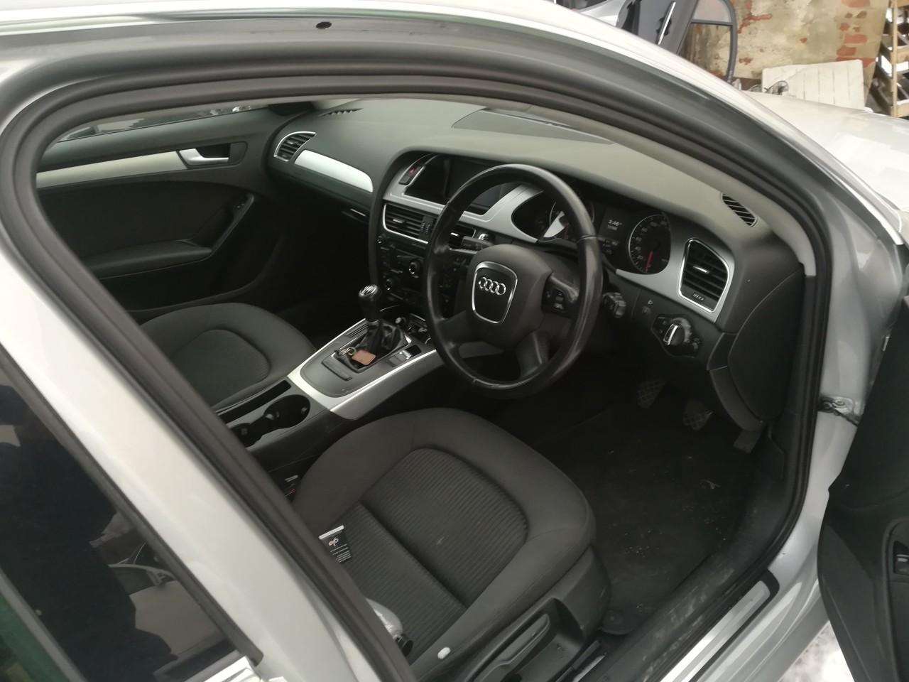 Dezmembrez Audi A4 B8 2.0 tdi 103 kw motor CAGA CAG din 2010