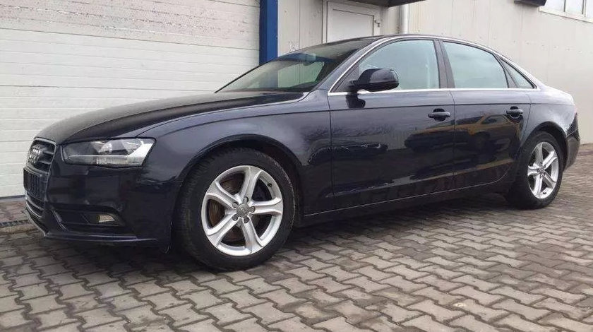 Dezmembrez Audi A4 B8 2010