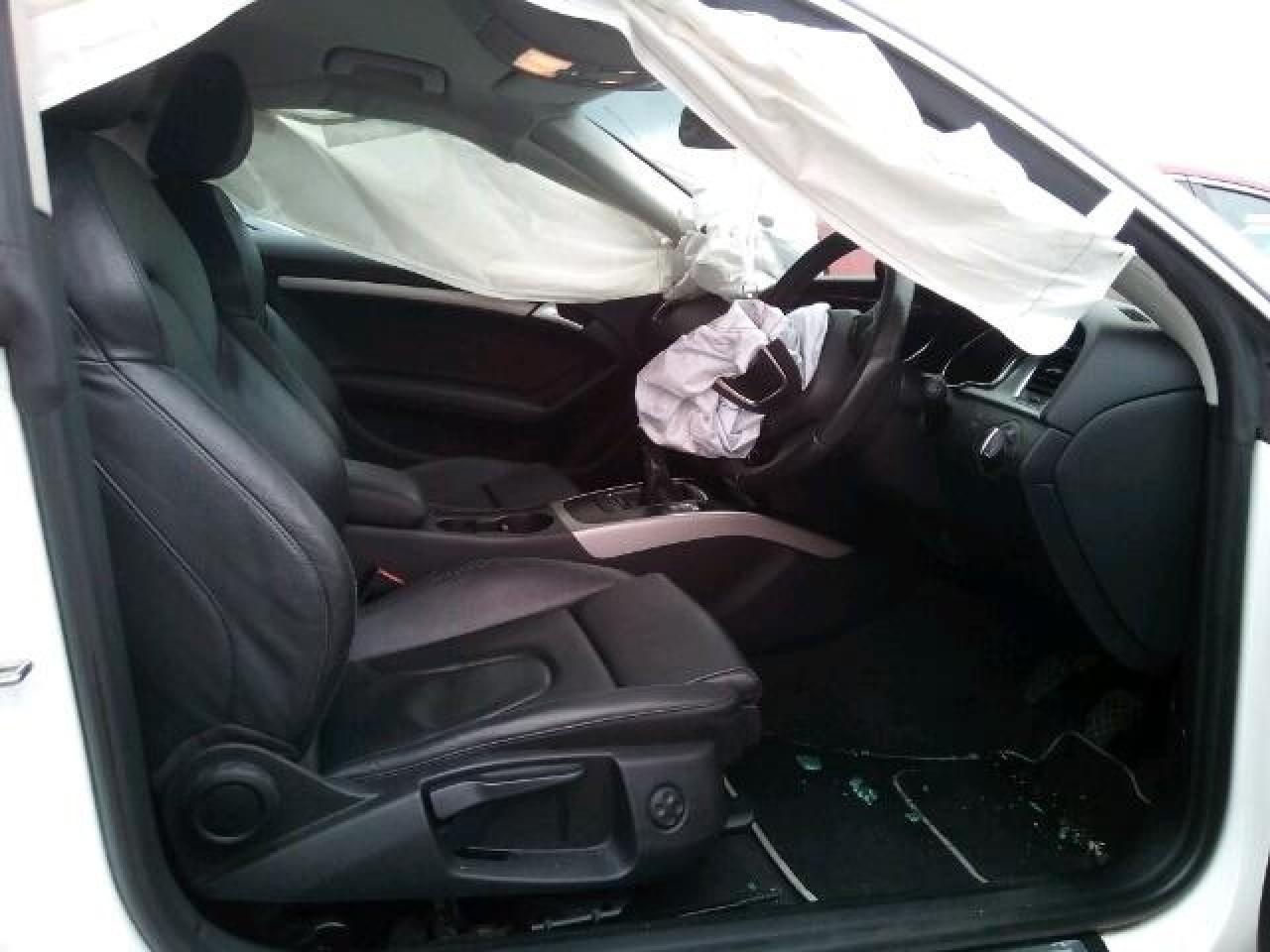 Dezmembrez Audi A5 2.0 Diesel 2010