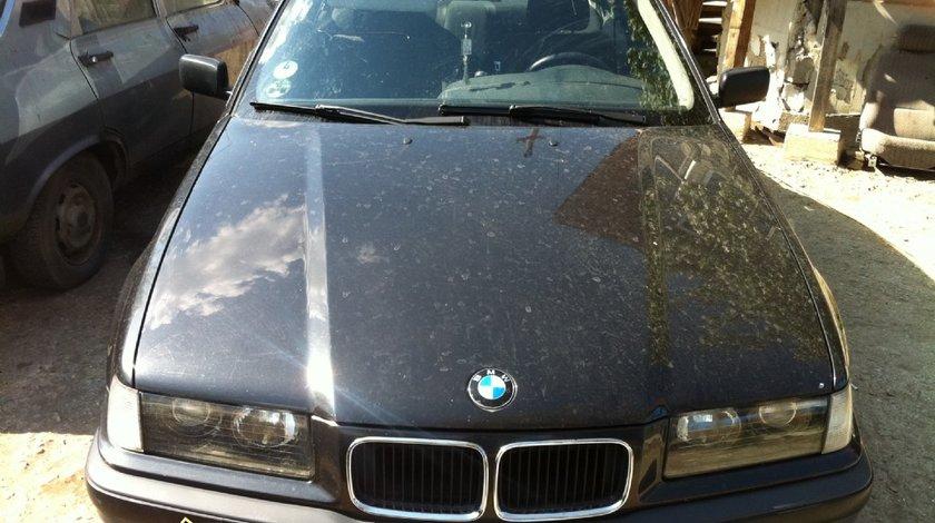 Dezmembrez BMW 316 an 1994