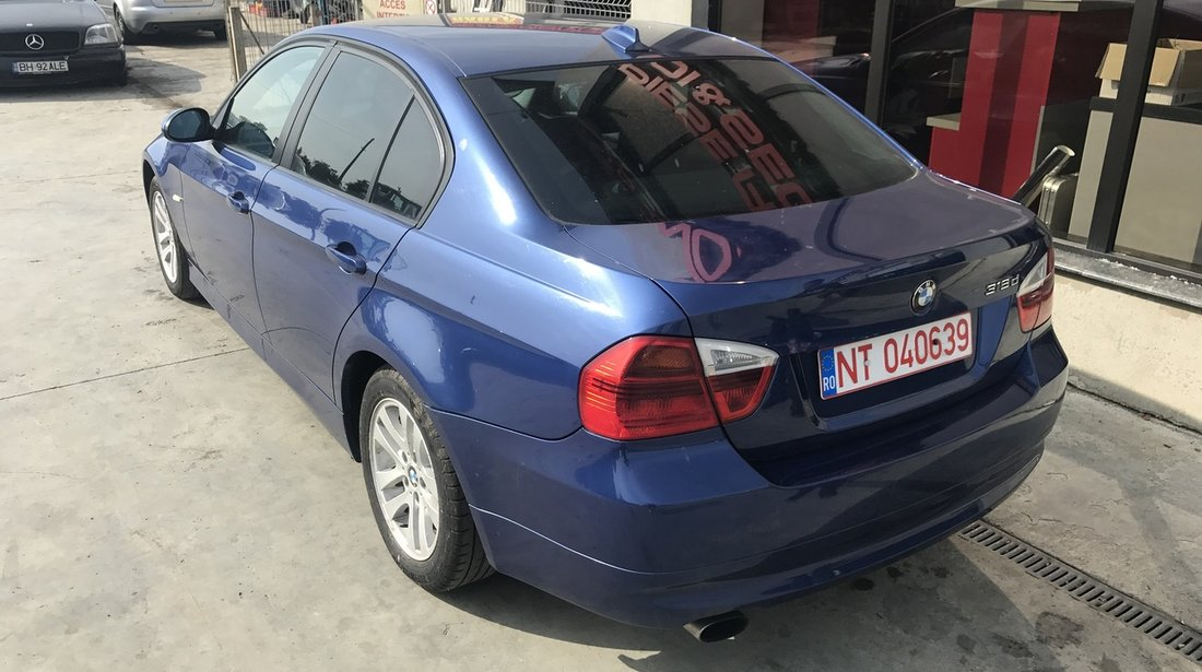 Dezmembrez BMW 318 d 2009 cod motor N47D20A