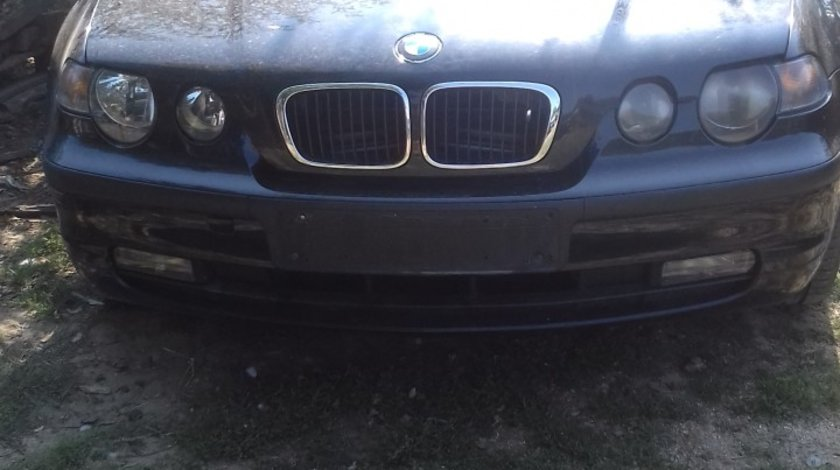 Dezmembrez BMW 318i 2002 coupe motor 1.8b