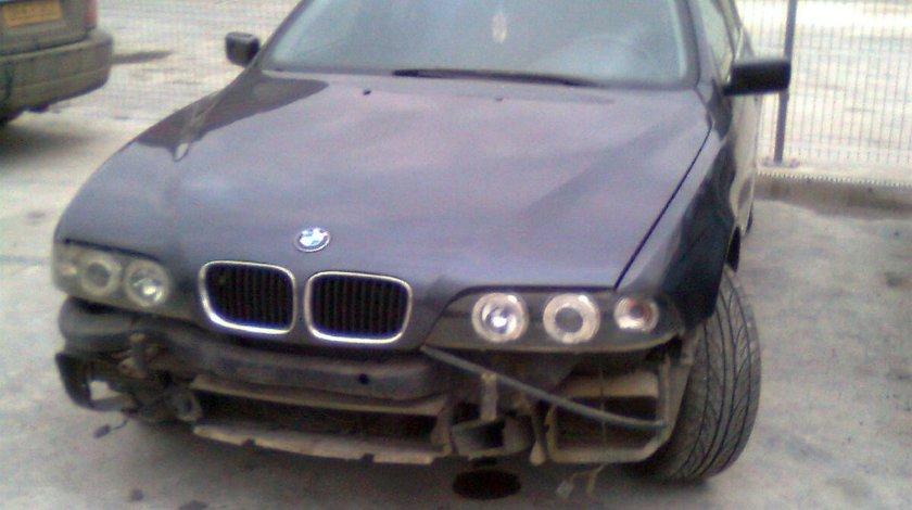 DEZMEMBREZ BMW 525 TDS AN 1999