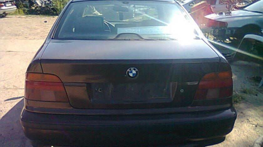 Dezmembrez BMW 525tds E39
