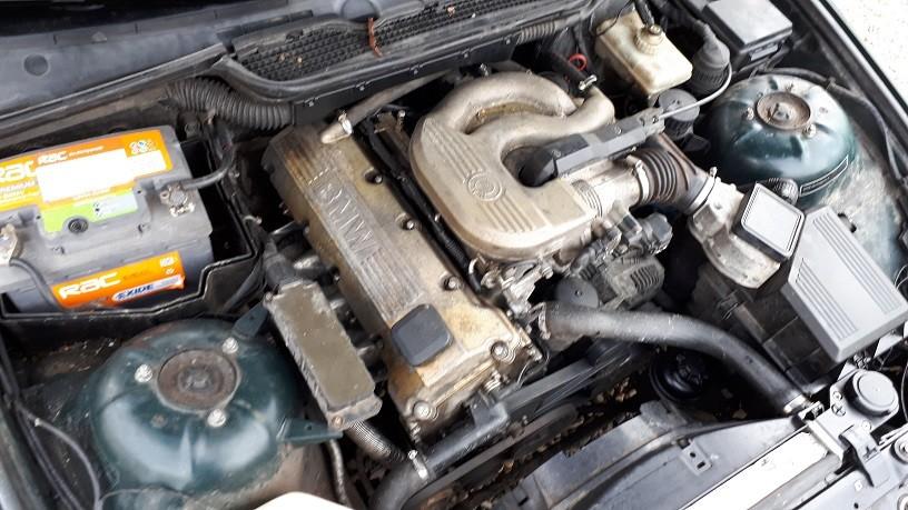 Dezmembrez BMW E 36 - 316i si 318i