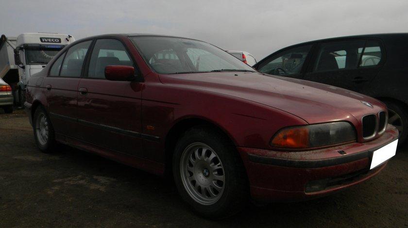 Dezmembrez BMW E39 sedan 523i, an 1998
