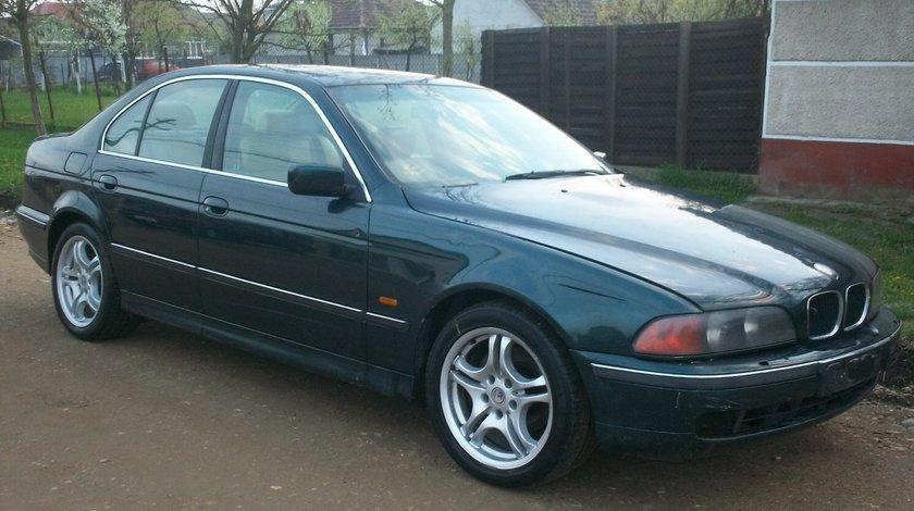 Dezmembrez BMW E39 ( seria 5 ) motor 2000 benzina an 1997 in stare foarte buna