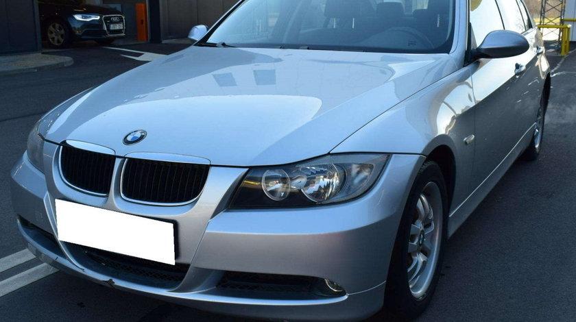Dezmembrez BMW E90 320i, an fabr. 2005