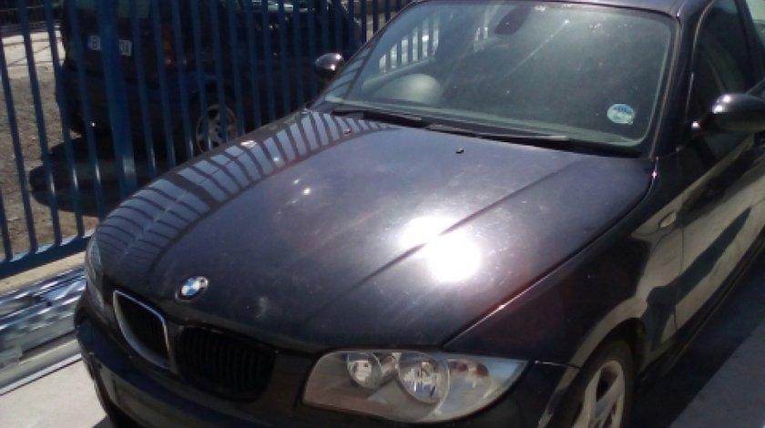 Dezmembrez BMW Seria 1 ( F20 ), an 2003, motorizare 120 D