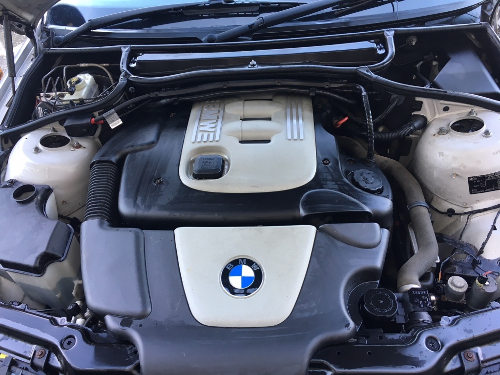 Dezmembrez BMW Seria 3 E46 318D 85 KW 116 CP cod motor M47D20 (204D4)