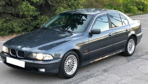 Dezmembrez BMW SERIA 5 E39  an fabr. 2000, 530D
