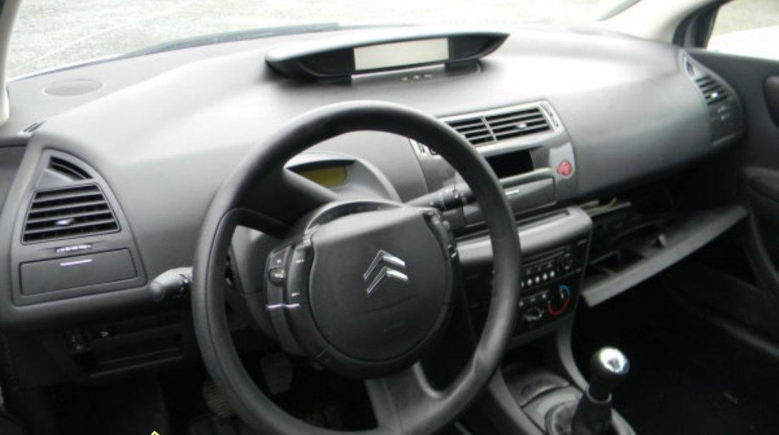 Dezmembrez Citroen C4 coupe 1 4i 16V si 1 6i 16V an 2006