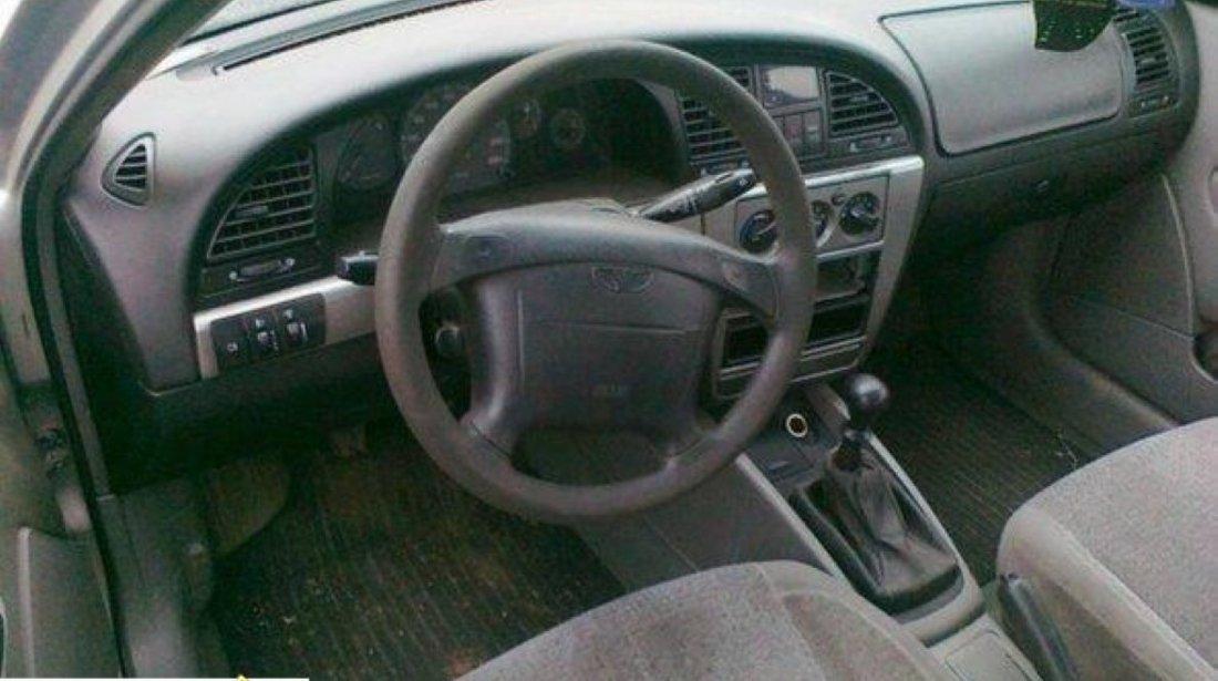 Dezmembrez Daewoo Nubira 2 1 6i An 2000