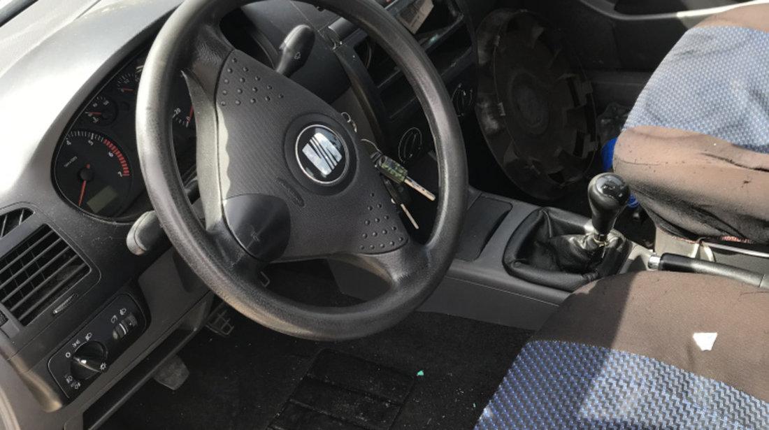 Dezmembrez dezmembram Seat cordoba mk1 facelift 4 usi 1999-2003 motor benzina 1.4