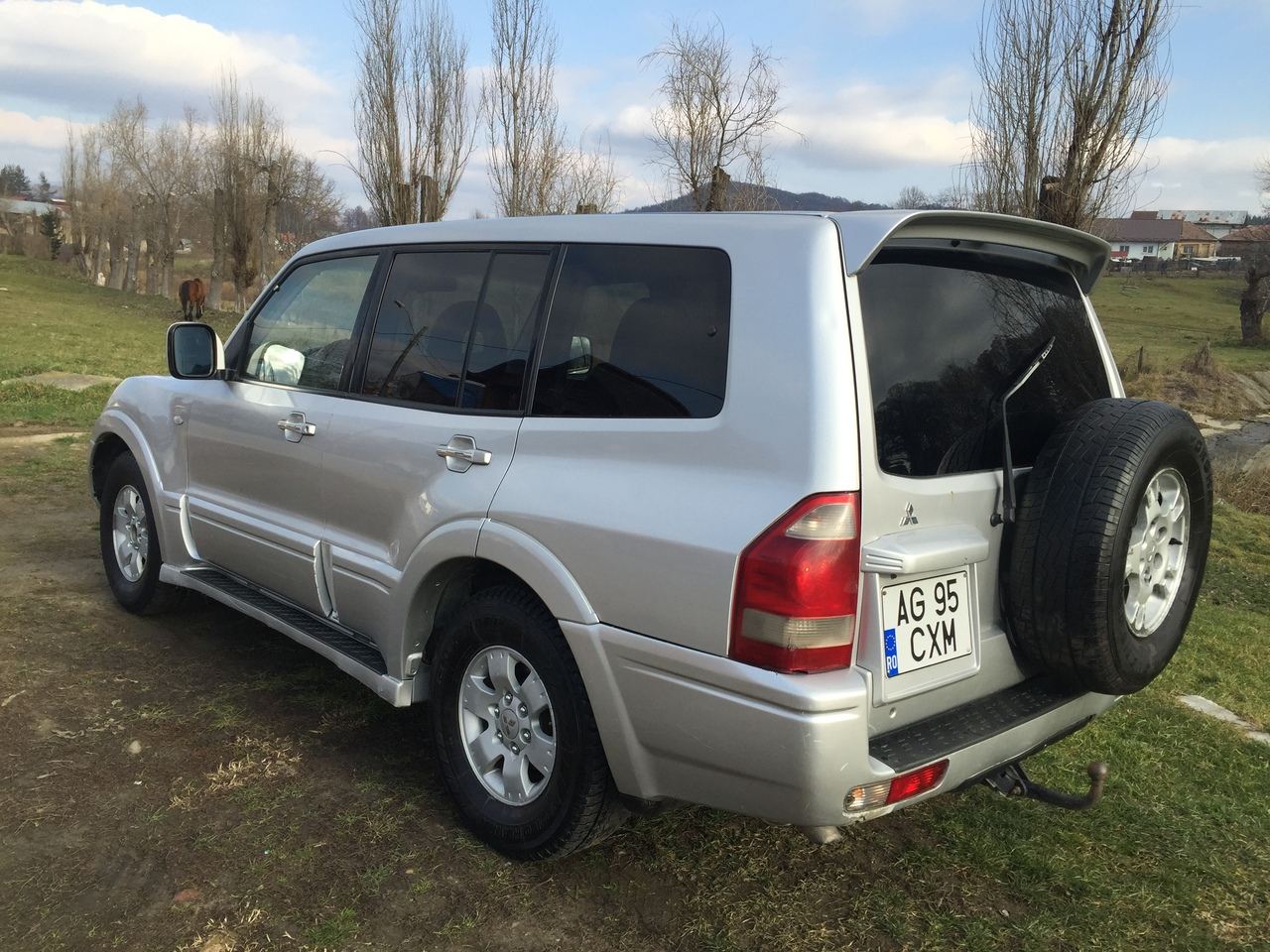 Dezmembrez dezmembrari mitsubishi pajero diesel 3,2 did 2004 4usi