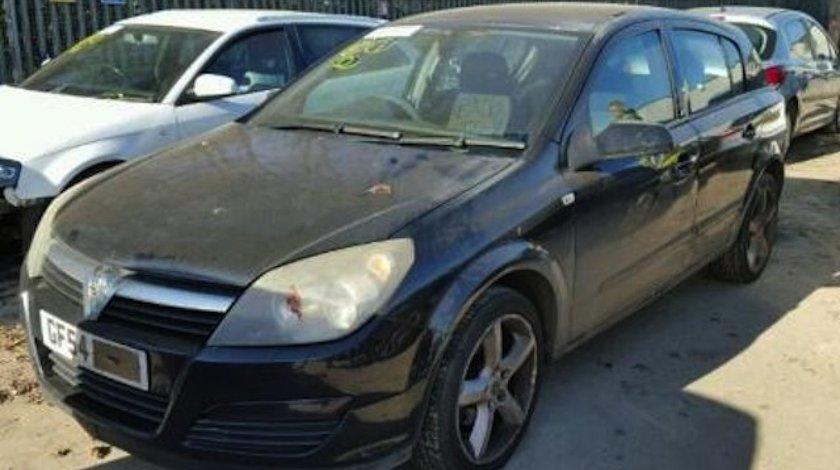 Dezmembrez / Dezmembrari Opel Astra 2004, 17cdti