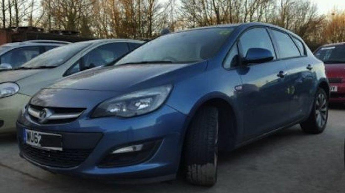 Dezmembrez / Dezmembrari Opel Astra J 1.4benzina