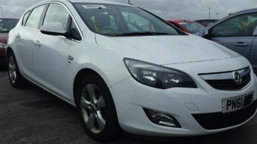 Dezmembrez / Dezmembrari Opel Astra J 1.6benz