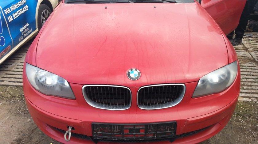 Dezmembrez E81 118D N47 10 2007