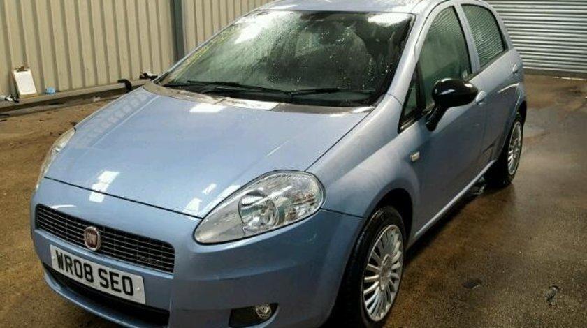 Dezmembrez Fiat Grande Punto 1.3M-JET