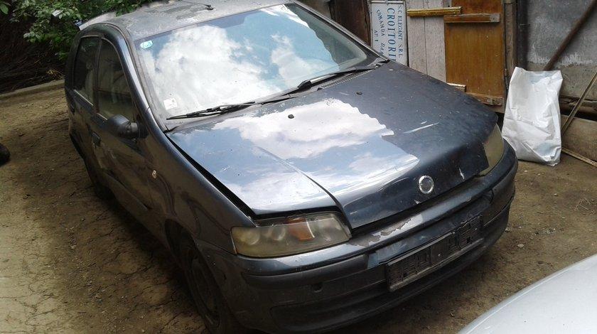 Dezmembrez Fiat Punto 1.2 benzina, 8v,2001.